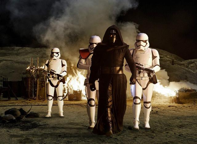 《星球战》,5《星球大战7原力醒》,《Star Wars: The Force Awakens》,剧照